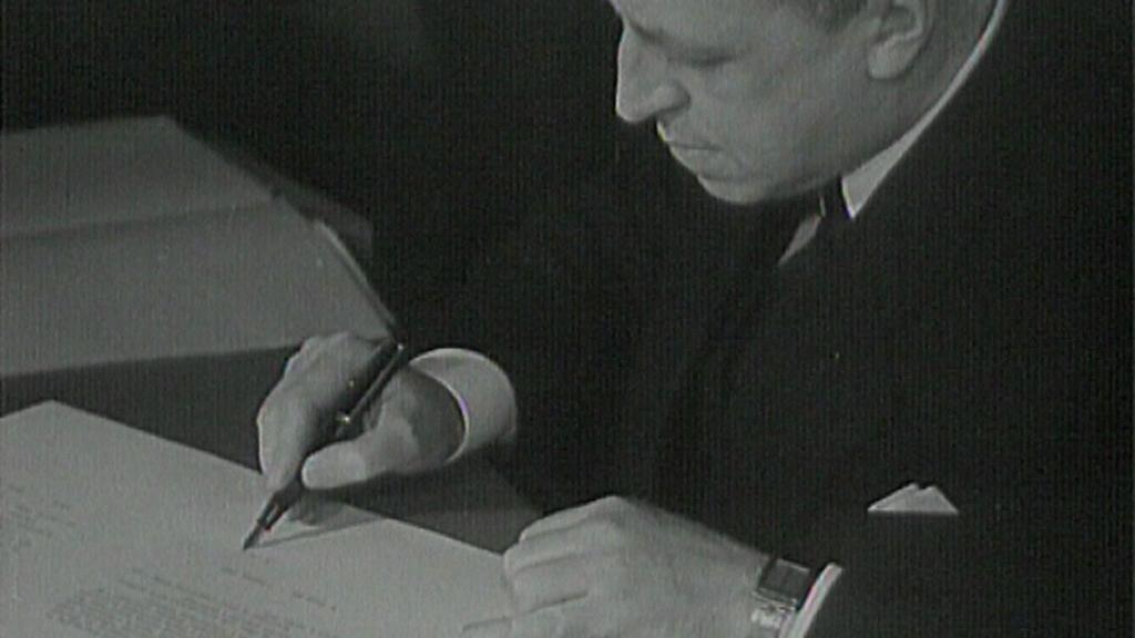 Podpis smlouvy o Zakarpatské Ukrajině v Černínském paláci