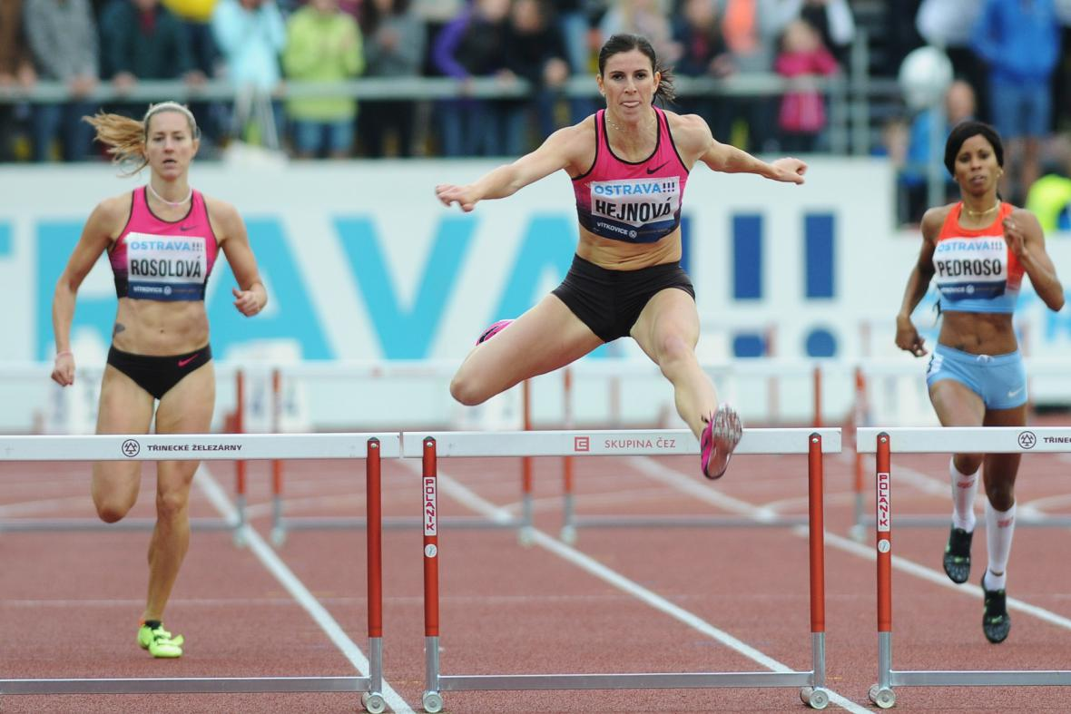 Největší česká hvězda Zuzana Hejnová ovládla rekordně 400 m překážek