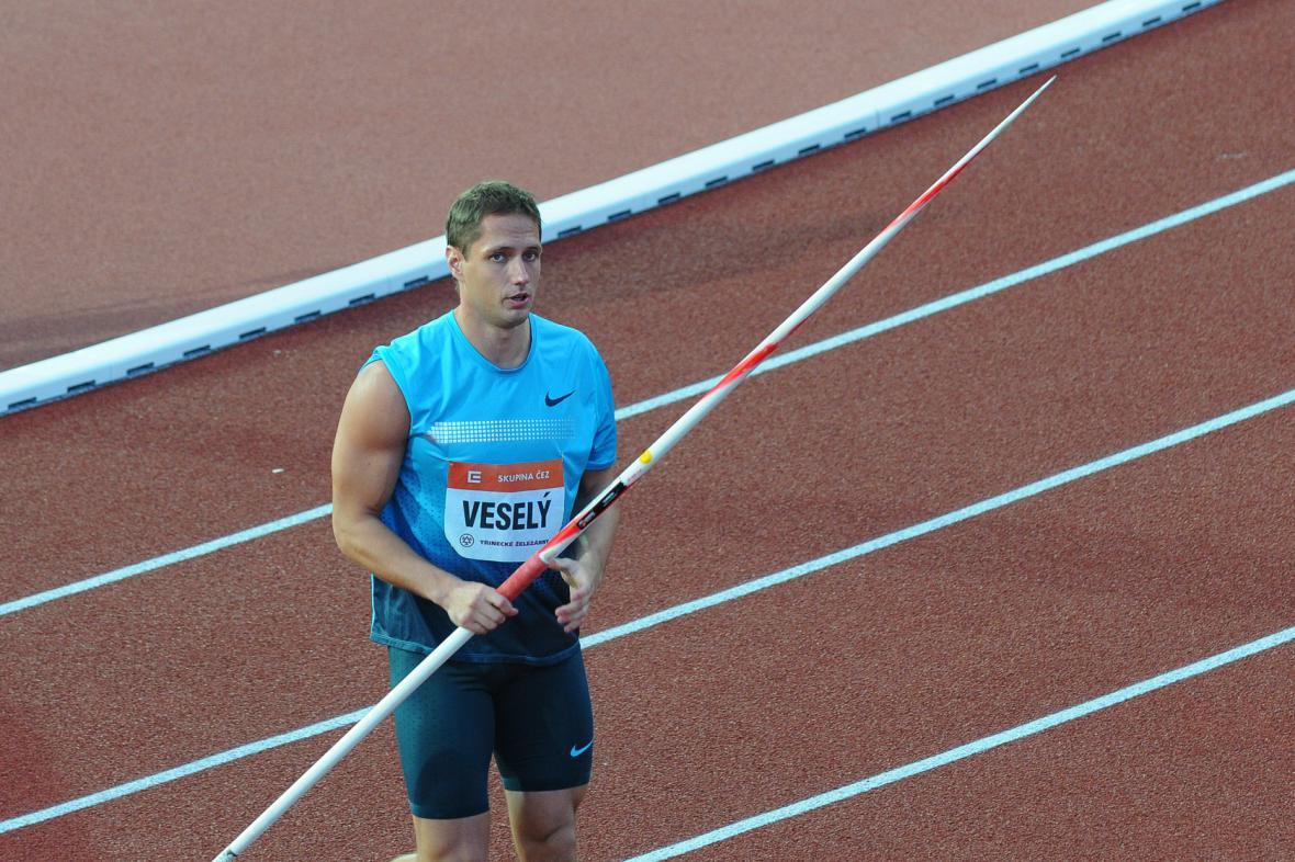 Vítězslav Veselý ovládl svou disciplínu první hodem