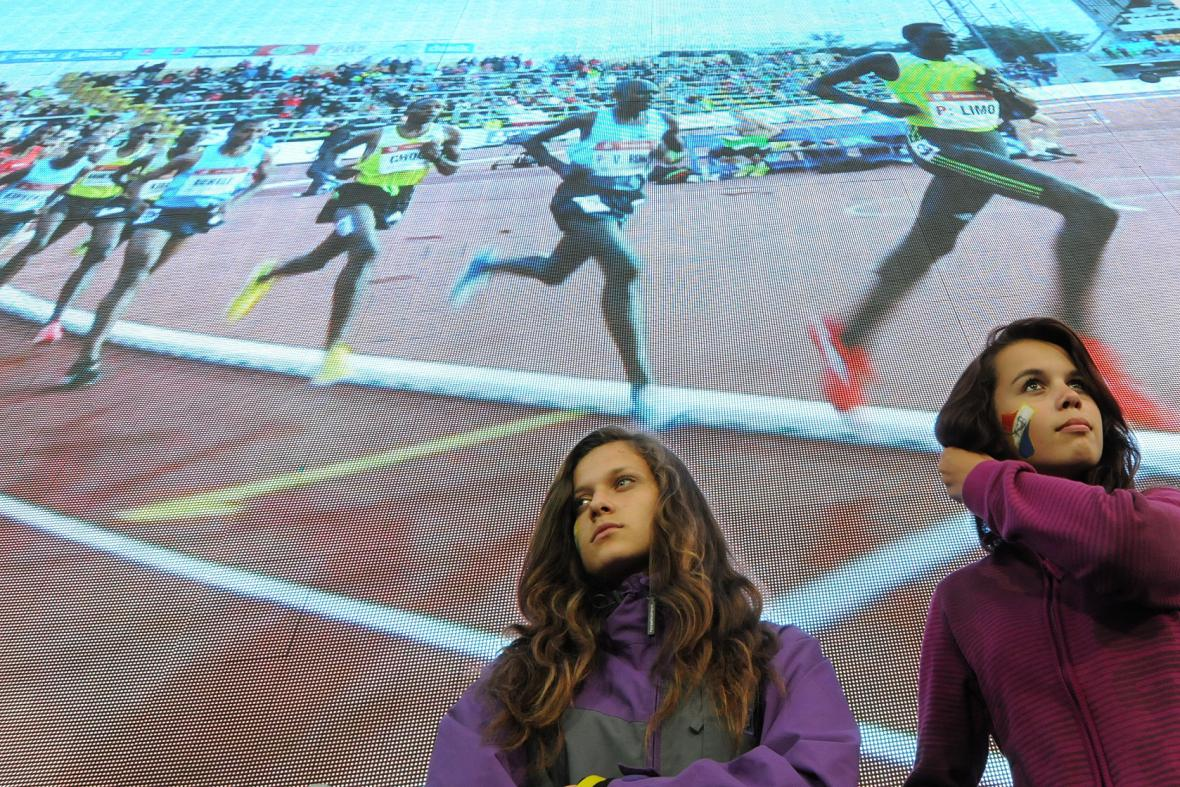 Diváci viděli všechnu tu sportovní krásu naživo i na obřích obrazovkách