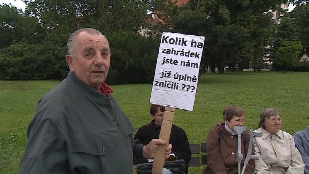 Jeden z nespokojených protestujících