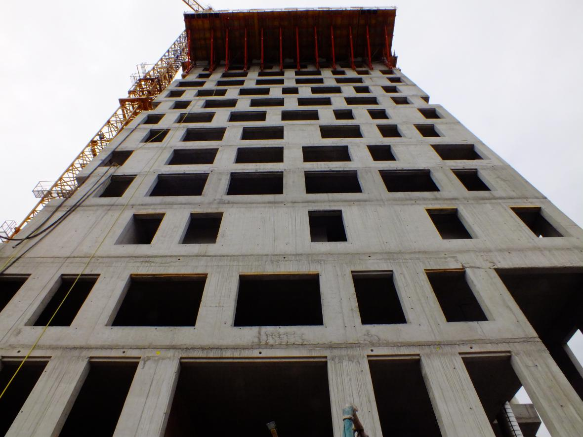 Duben 2012