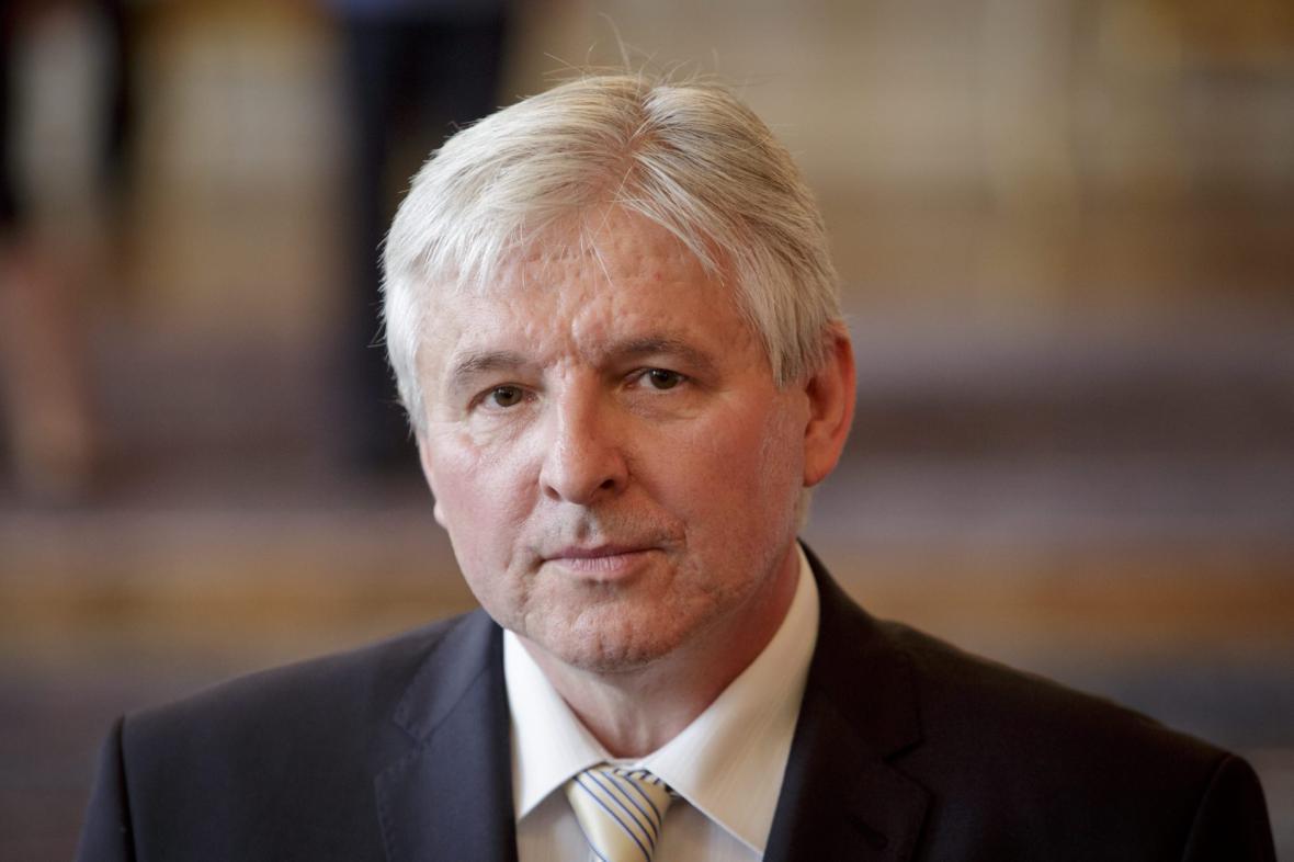 Prezident jmenoval premiérem Jiřího Rusnoka