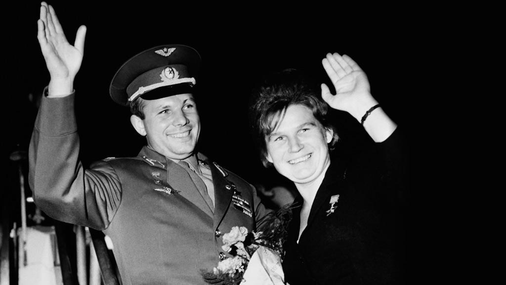 Jurij Gagarin a Valentina Těreškovová