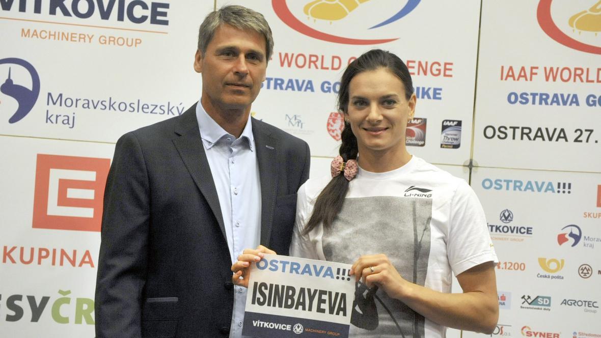 Jelena Isinbajevová s ředitelem Zlaté tretry Janem Železným