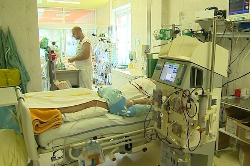 Zlínská nemocnice dluží dodavatelům bezmála půl miliardy