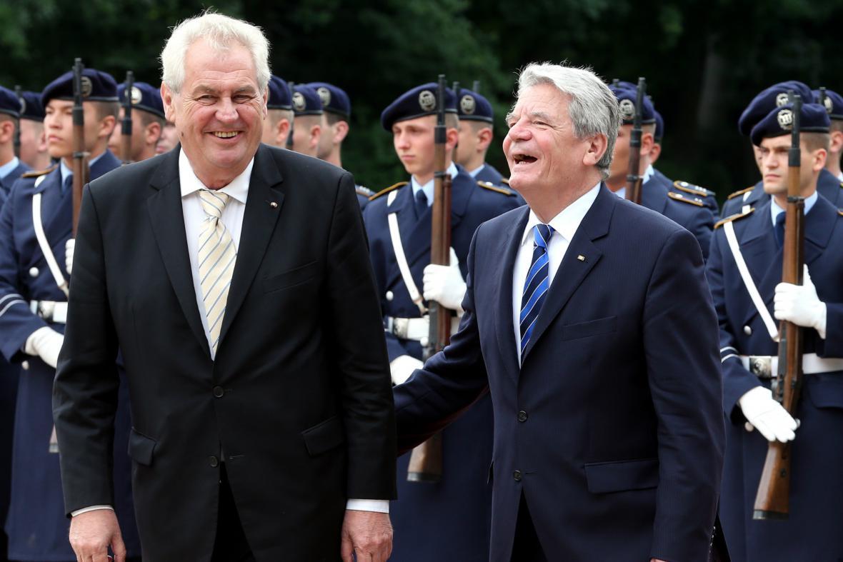 Joachim Gauck přivítal v Berlíně Miloše Zemana