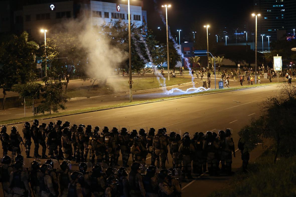Potyčky během protestů v Brazílii