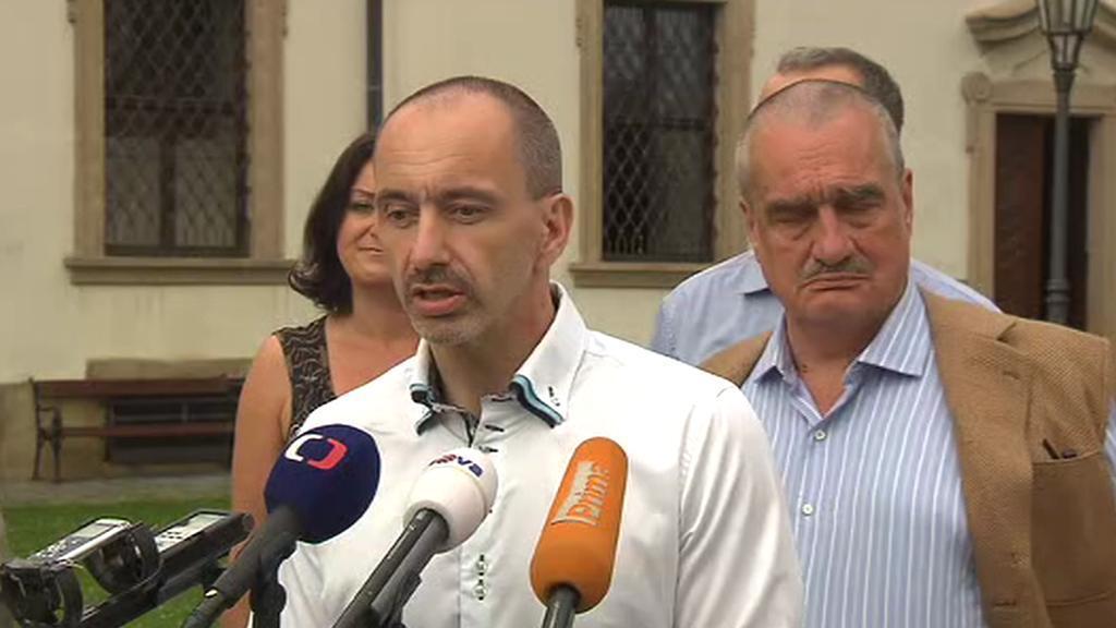 Tisková konference po jednání koalice