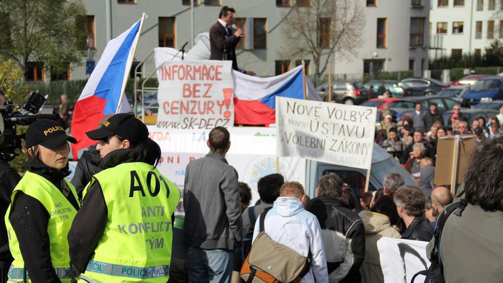 Antikonfliktní tým monitoruje demonstraci