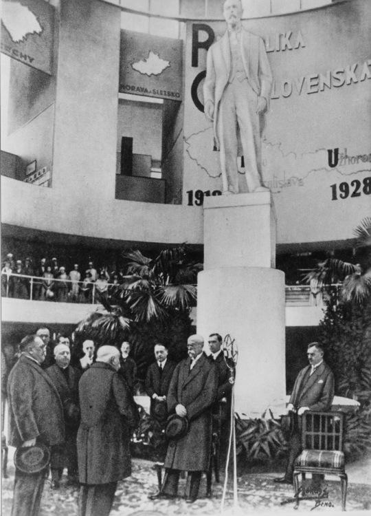 Prezident T. G. Masaryk na zahájení výstavy