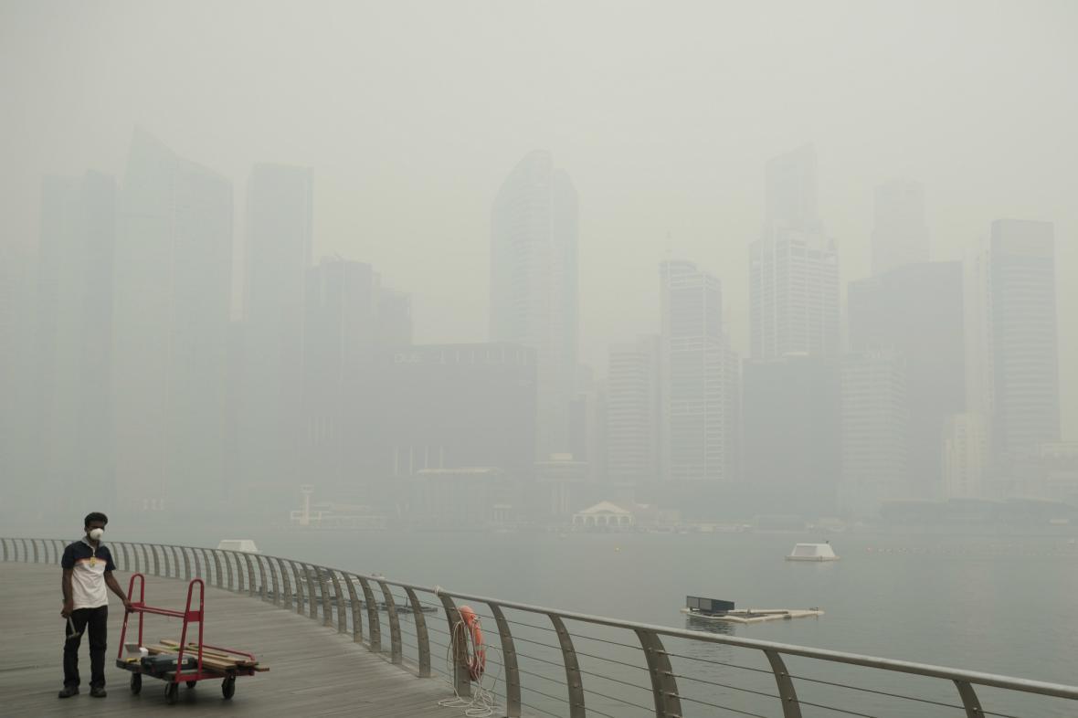 Ovzduší v Singapuru zamořil kouř