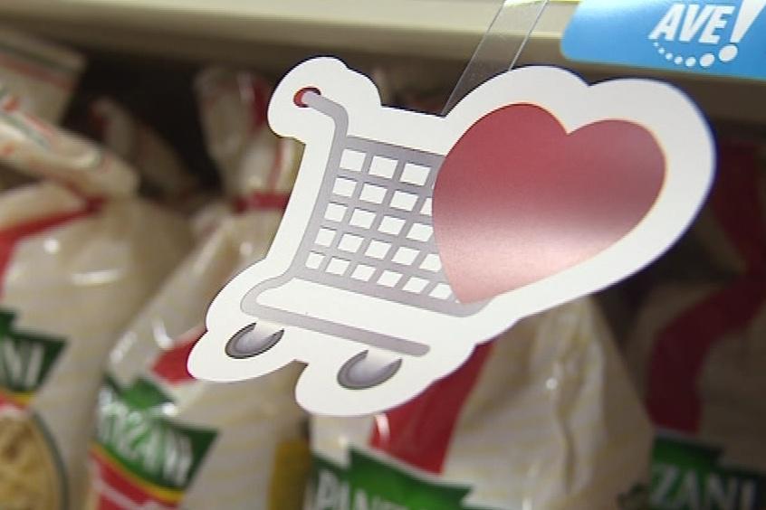 Symbol košíku se srdcem je u produktů, které rodiny potřebují