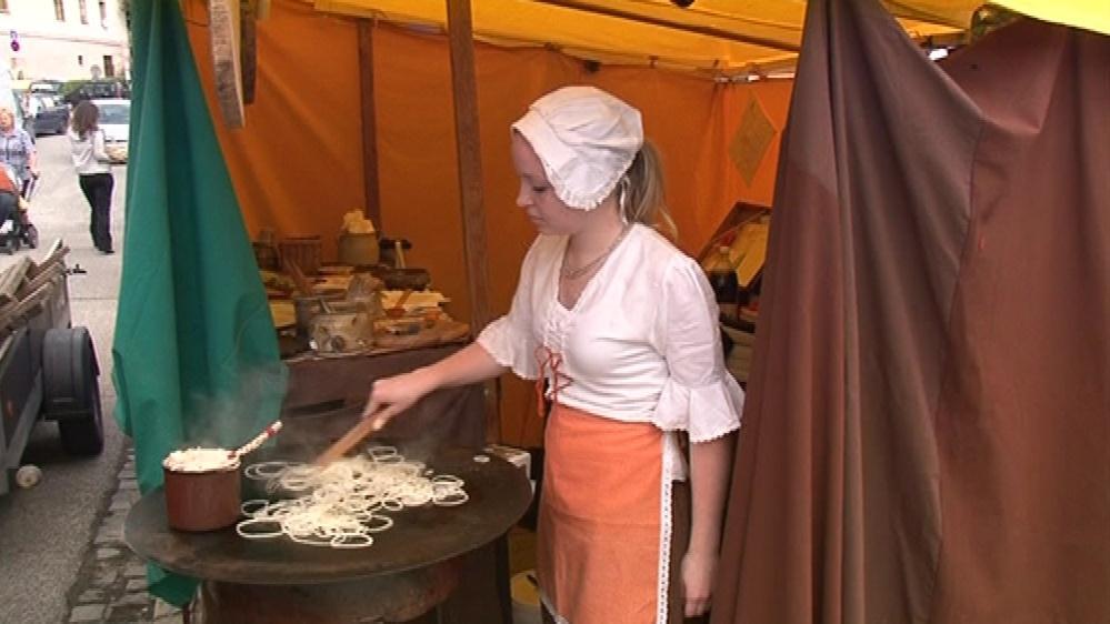 Historické centrum nabídne stánky s tradičními výrobky a jídlem
