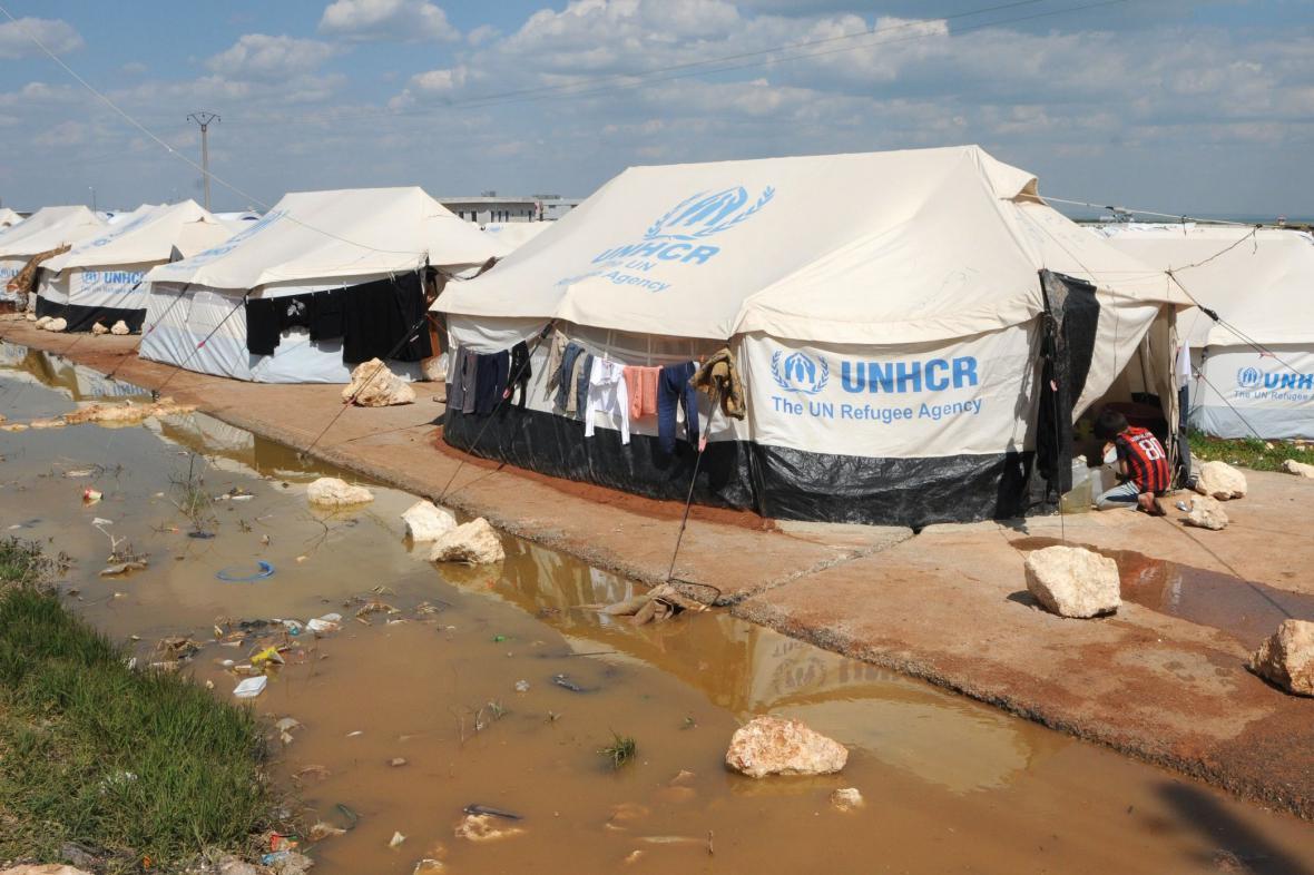 Uprchlický tábor na syrsko-turecké hranici