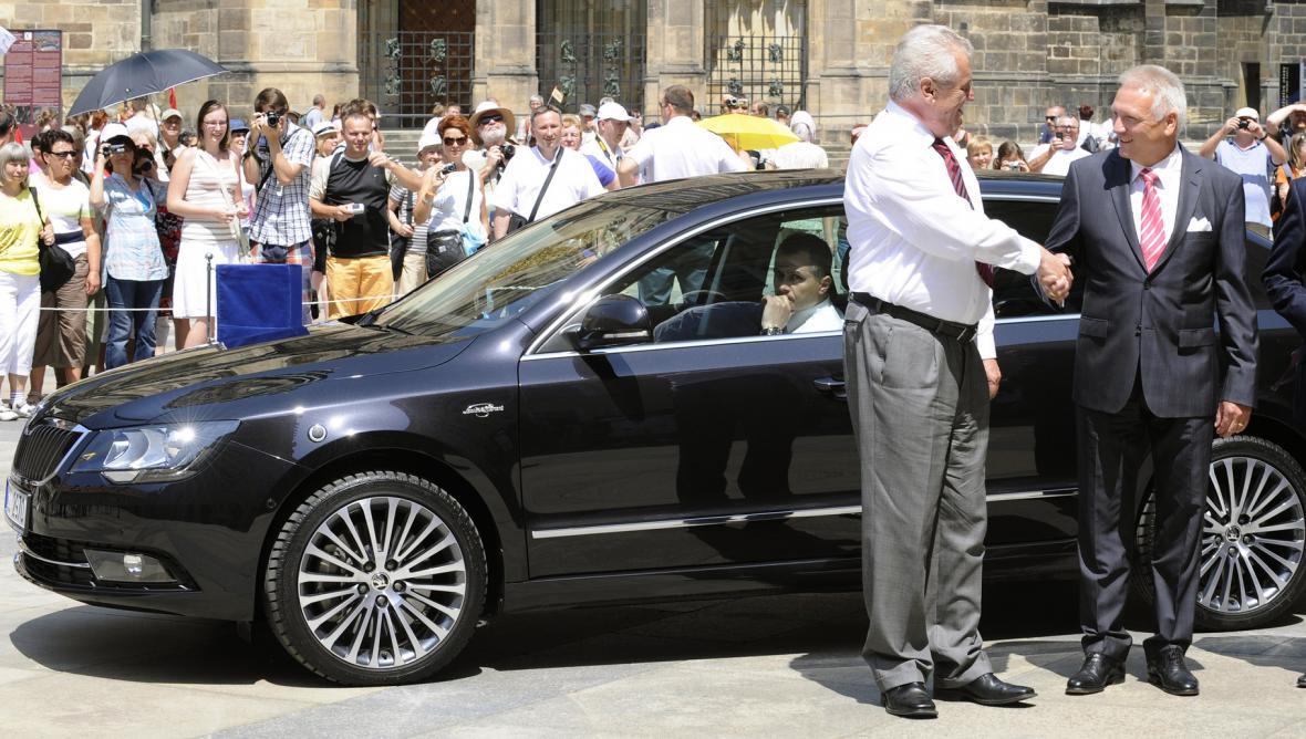 Prezident Miloš Zeman a jeho nový Superb