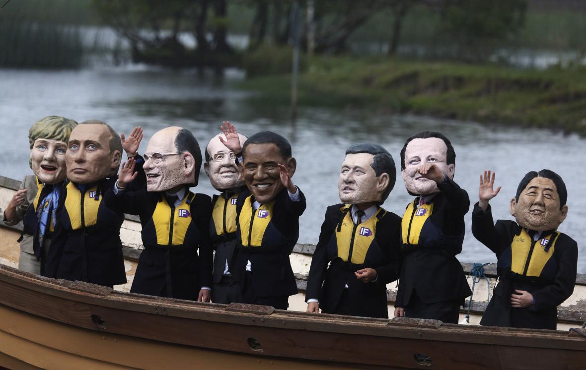 Aktivisté na summitu G8