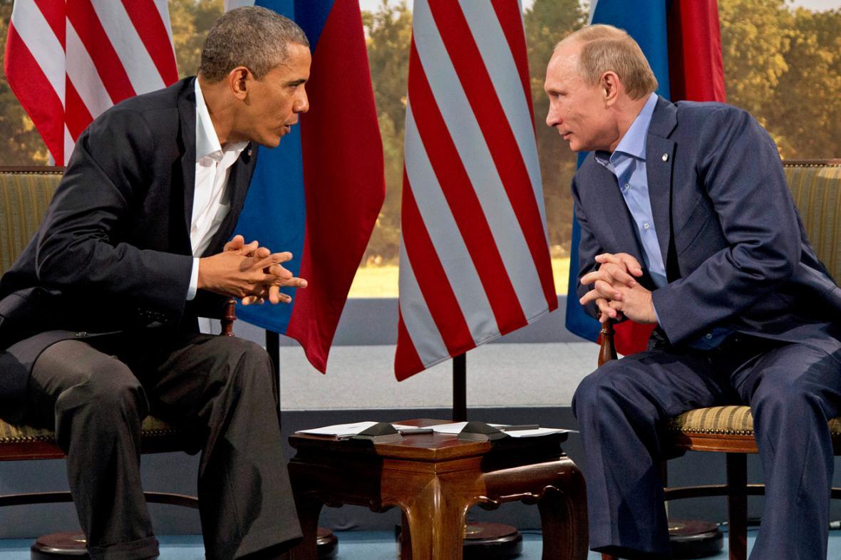 Barack Obama a Vladimir Putin na summitu skupiny G8