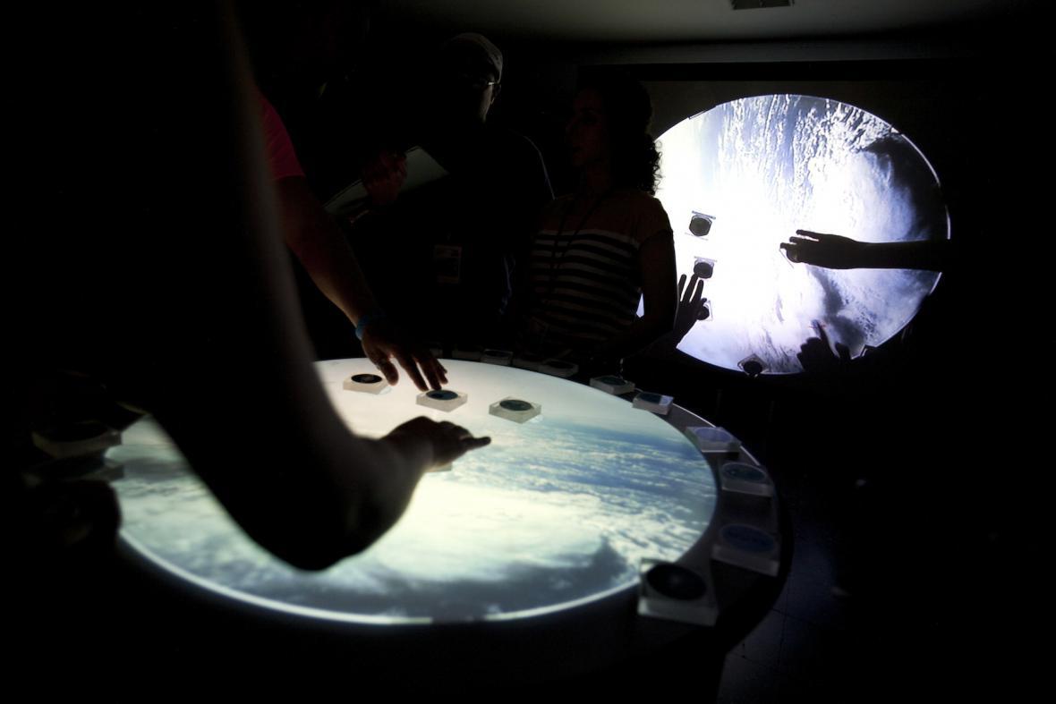 Jedna z interaktivních instalací na Sónar by Day