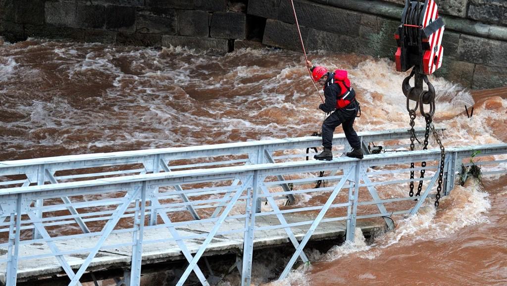 Most v Jaroměři