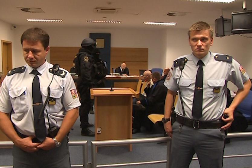 Policejní manévry stojí desítky tisíc korun