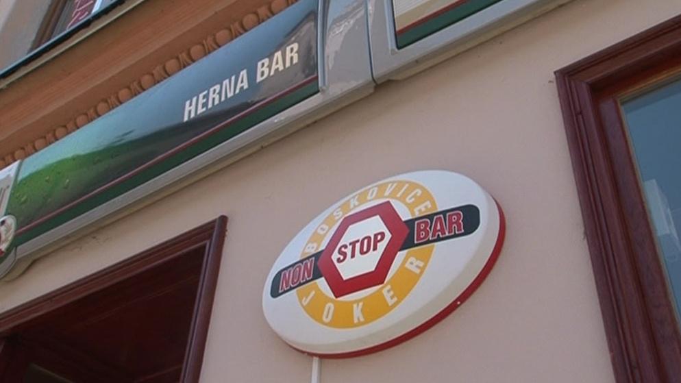 Herny a bary mohou mít otevřeno jak dlouho chtějí