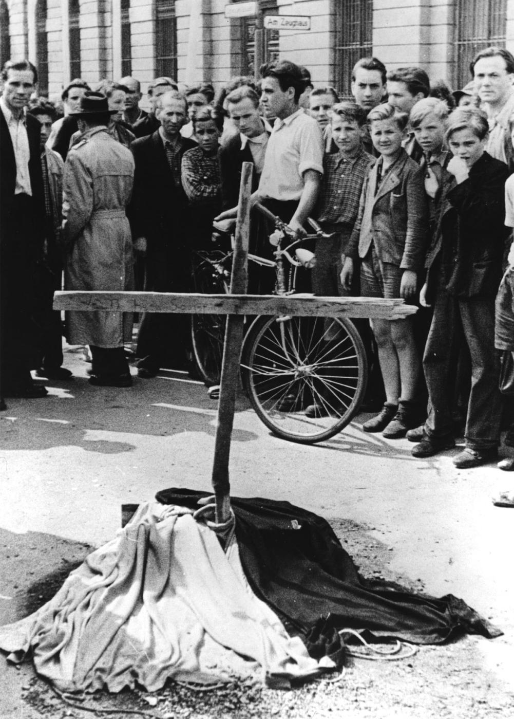 Berlínské povstání, provizorní pomník