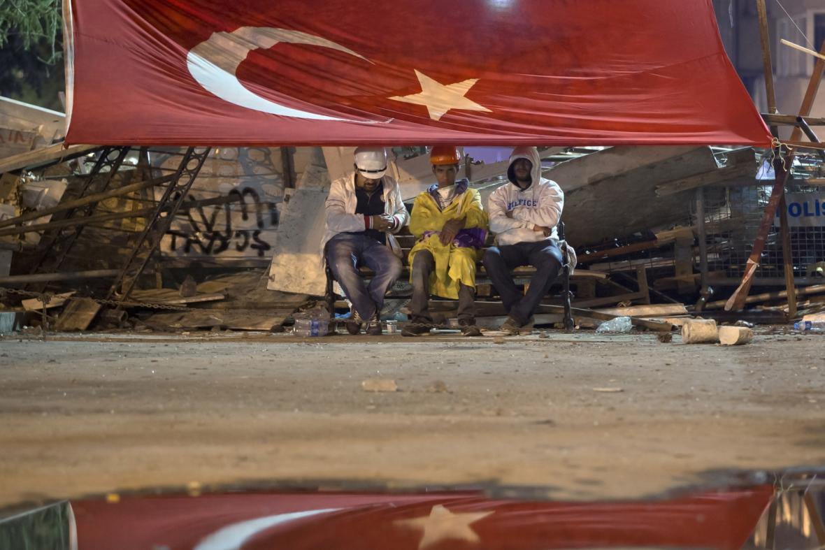 Demonstranti v parku Gezi, Istanbul