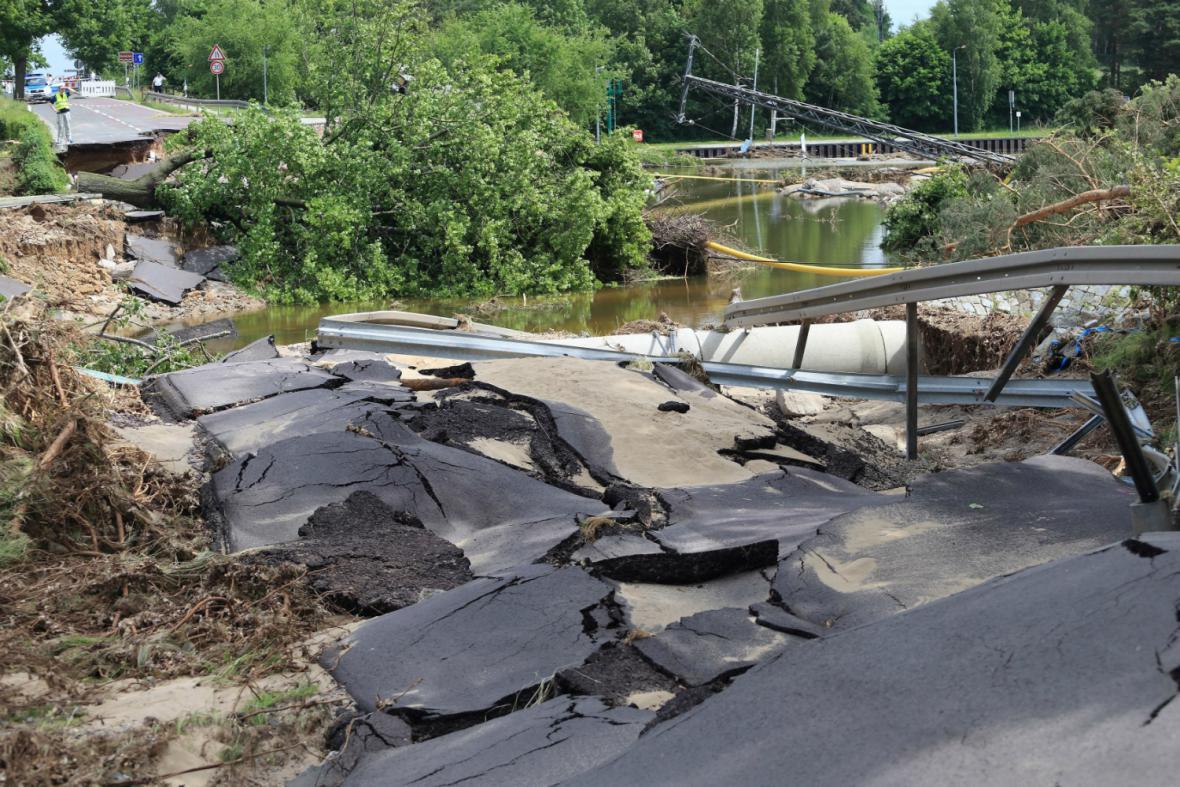 Následky škod po povodni v Německu