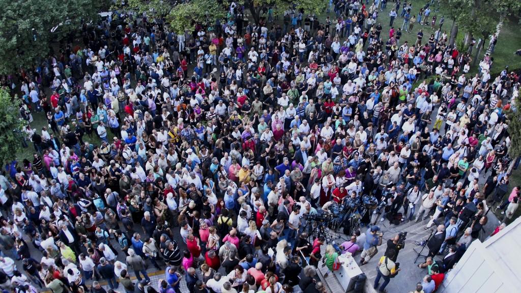 Protest proti ukončení veřejnoprávního vysílání v Řecku