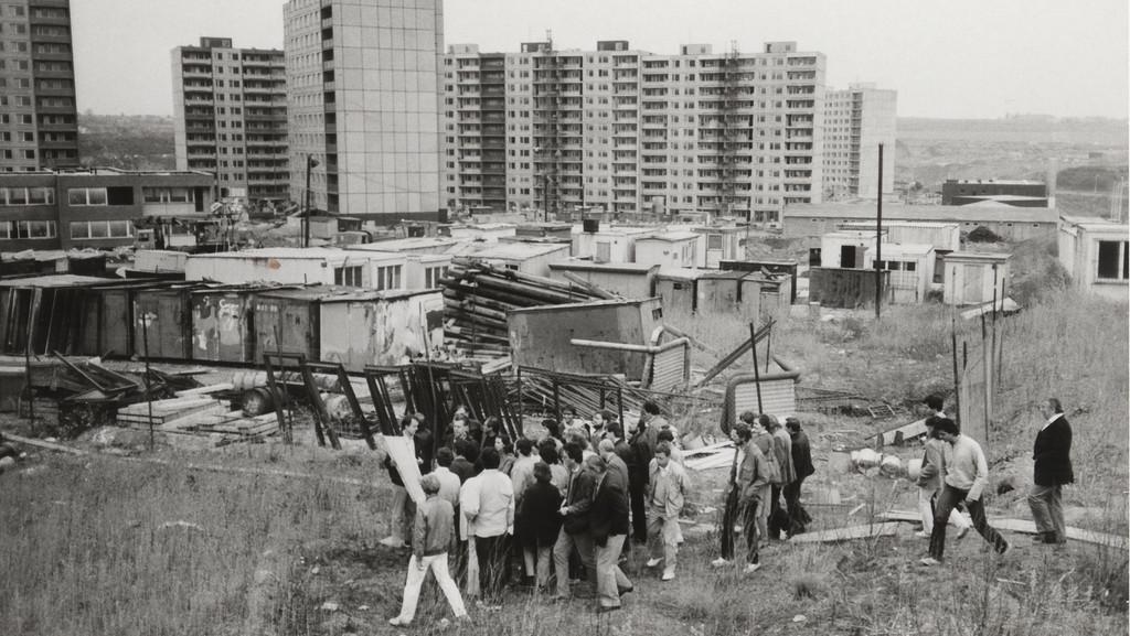 Exkurze architektů a projektantů na rozestavěné sídliště Lužiny (1983)