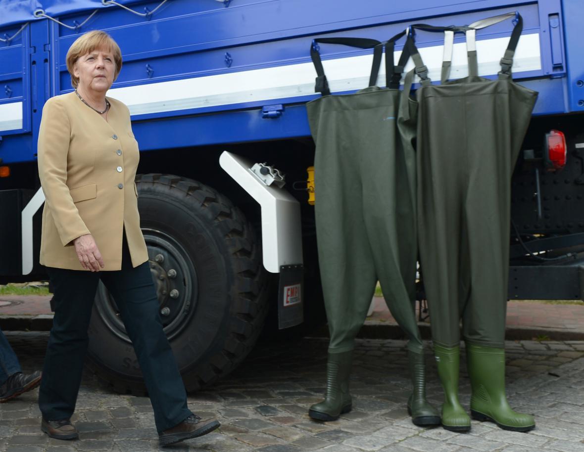 Angela Merkelová navštívila oblasti postižené povodněmi