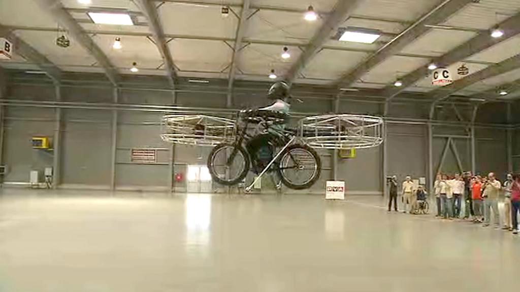 Létající kolo se vzneslo na pražském Výstavišti