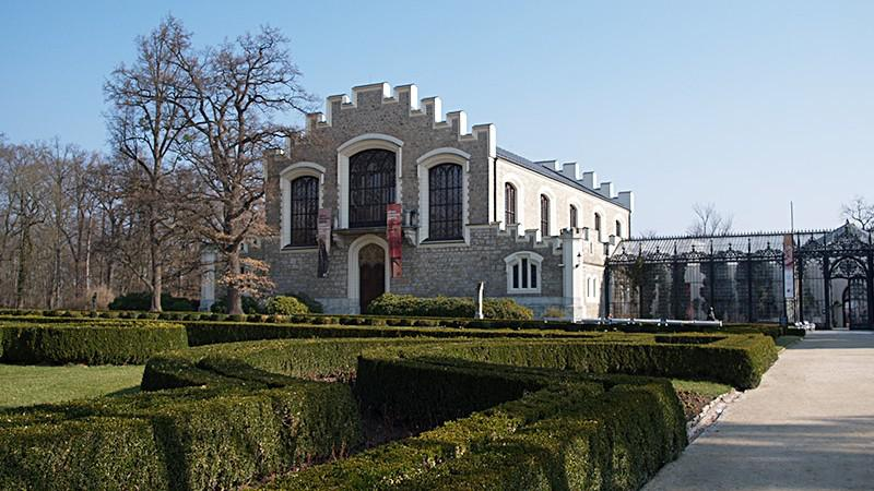 Alšova jihočeská galerie sídlí v Hluboké nad Vltavou