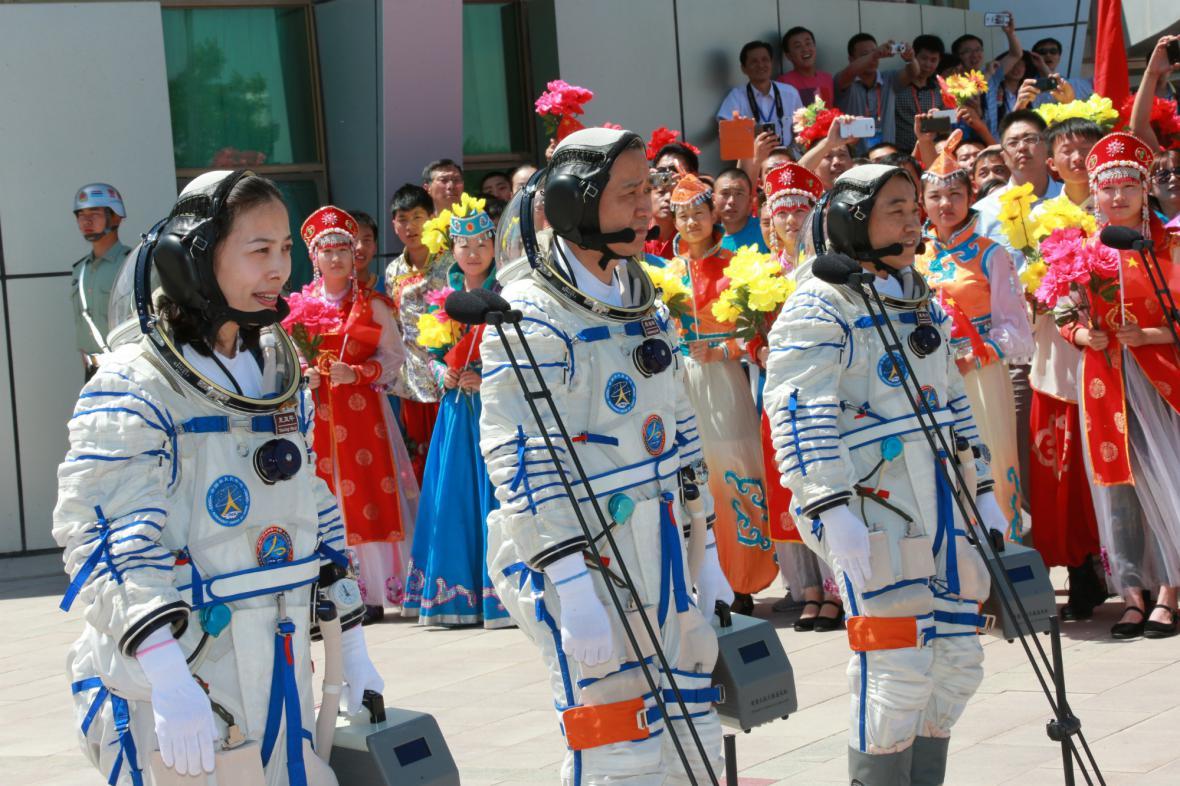 Posádka lodi Šen-čou 10