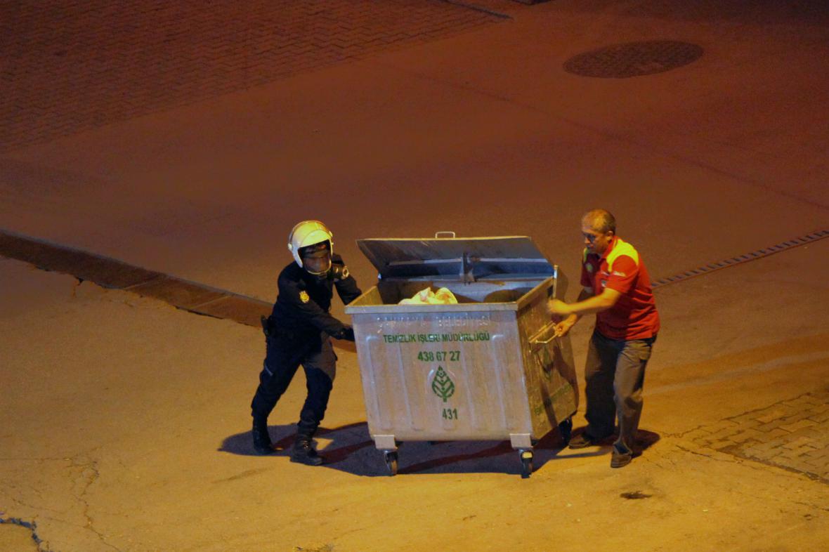 Turecká policie zasáhla proti demonstrantům