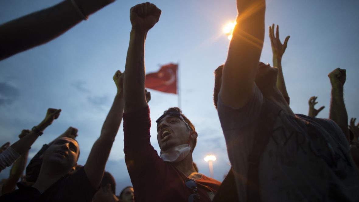 Protivládní nepokoje v Turecku