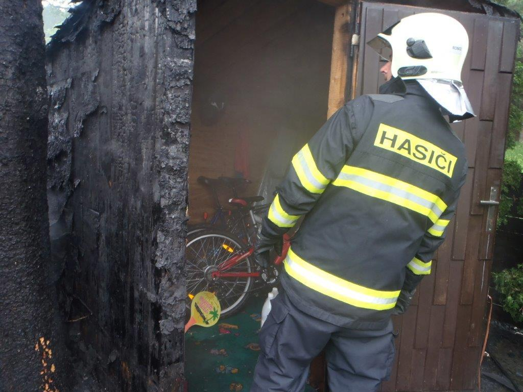 Požár zahradního domku v Zastávce u Brna