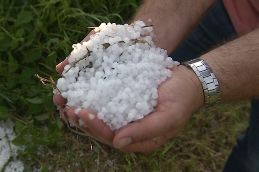 Ve Zlínském kraji padaly i kroupy
