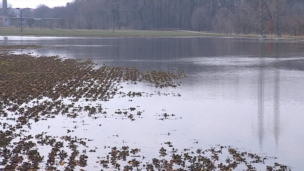 Na polích se vytvořily laguny
