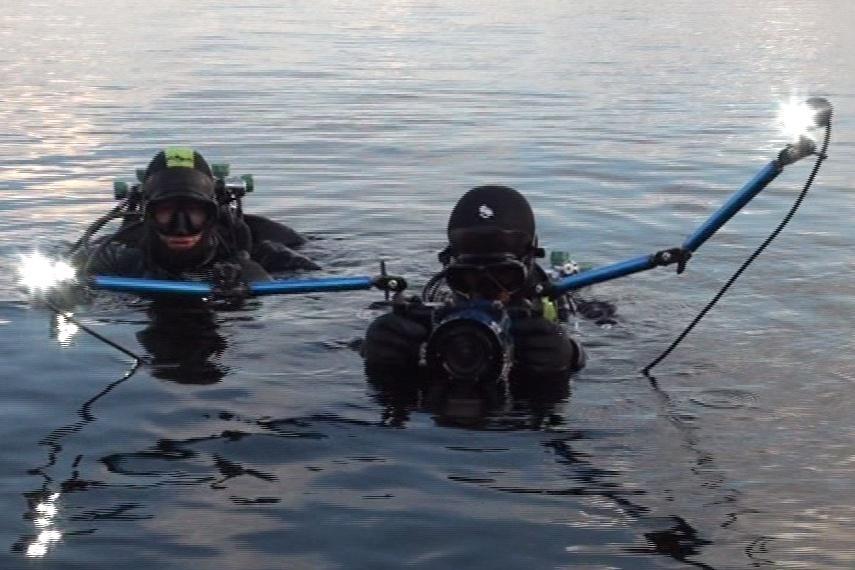 Potápěči se vydávají na kontrolu věží na dno brněnské přehrady