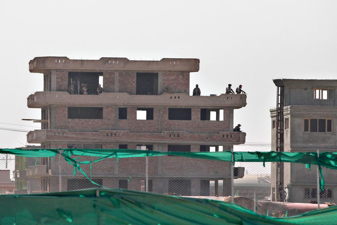 Budova u kábulského letiště, kde zaútočil Taliban