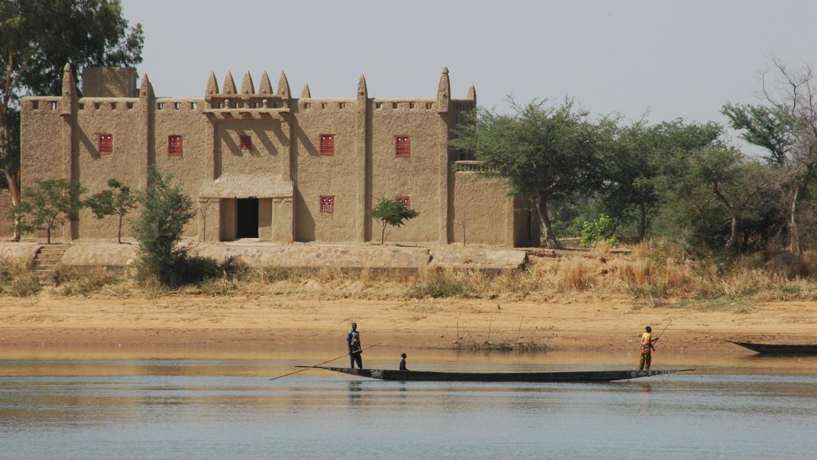 Mešita na řece Niger