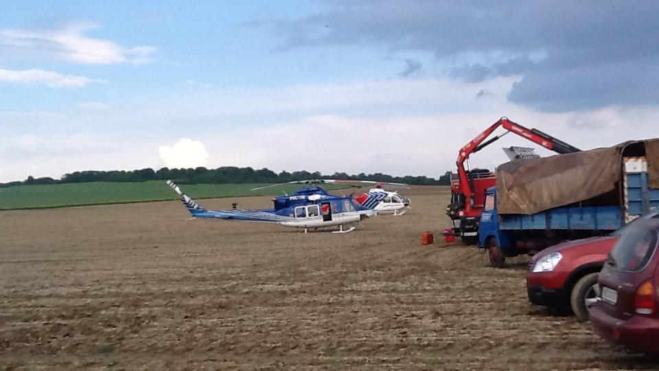 Na místě zasahovaly také dva vrtulníky