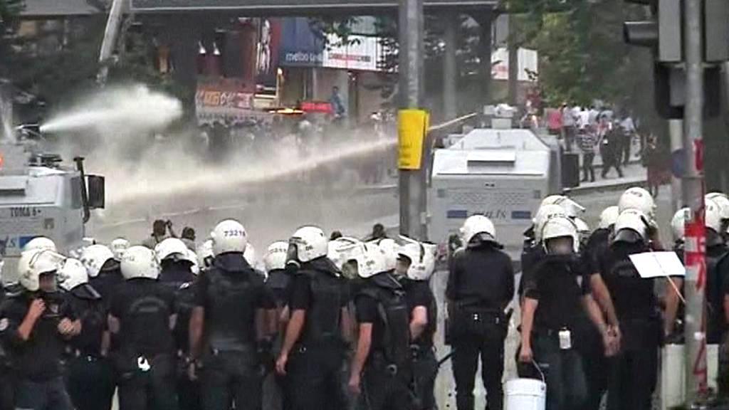 Zásah turecké policie proti demonstrantům