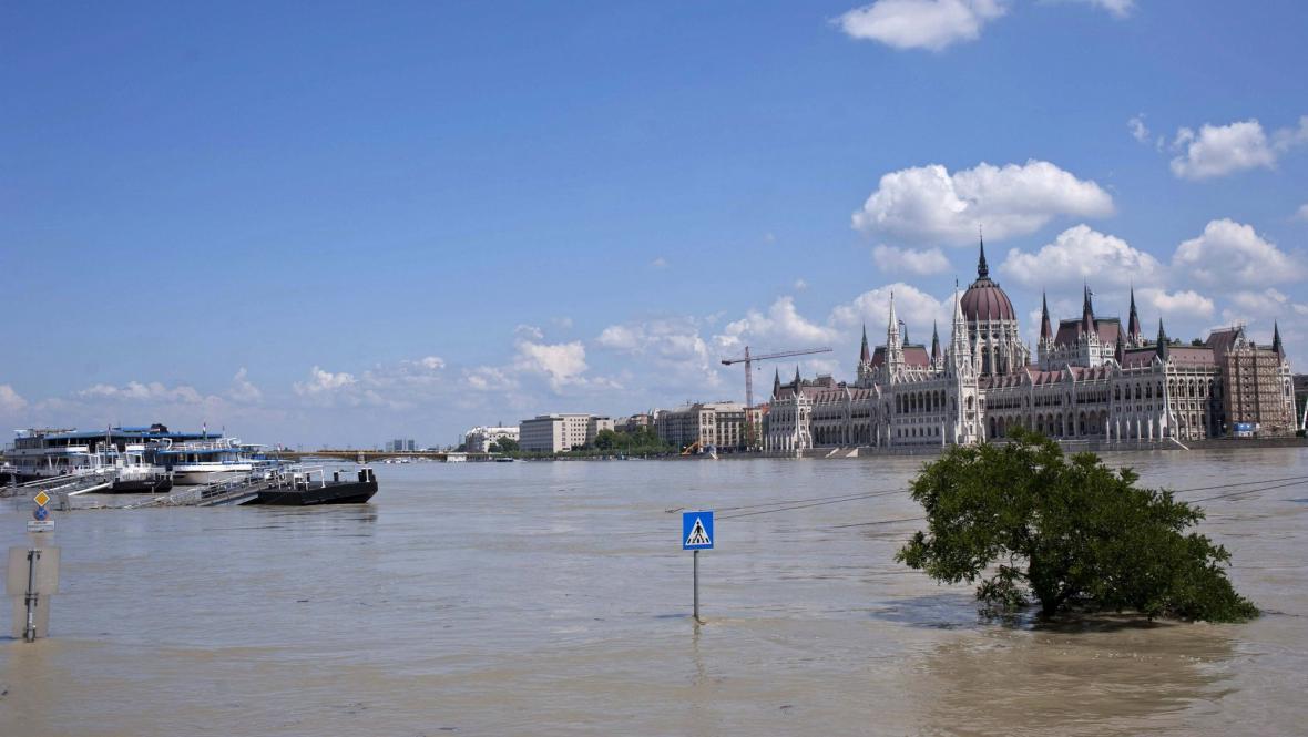 Dunaj v Budapešti láme historické rekordy