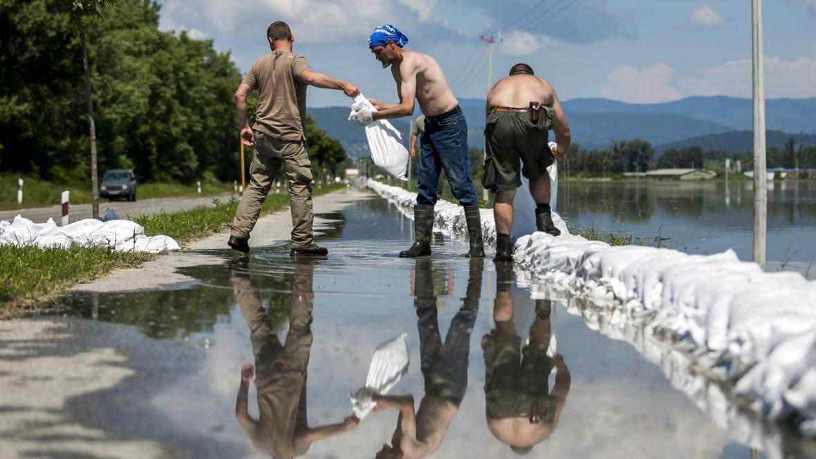 Hráze podél Dunaje v Maďarsku