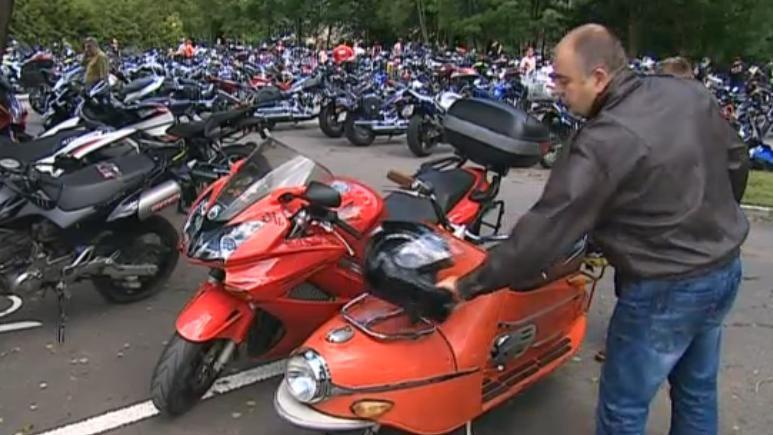 Policejní akce Nežij vteřinou se zaměřila na motorkáře