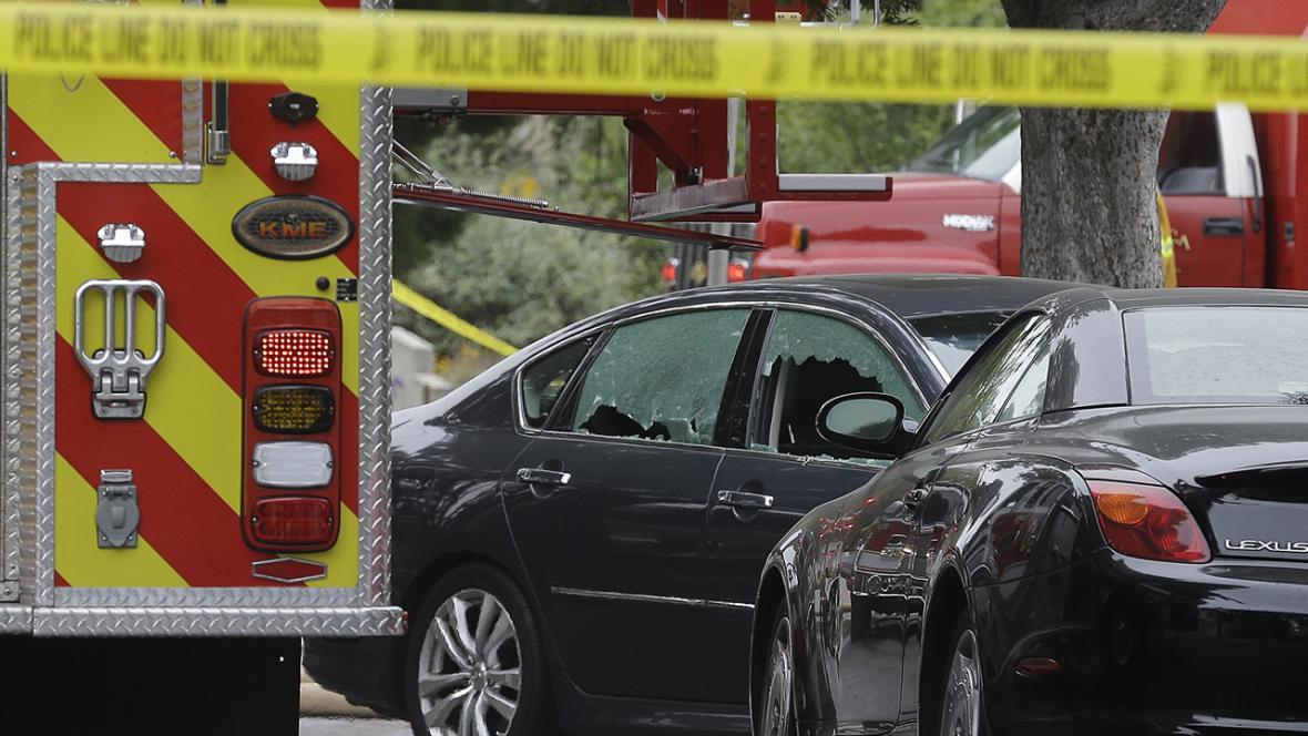 Následky střelby v Santa Monice
