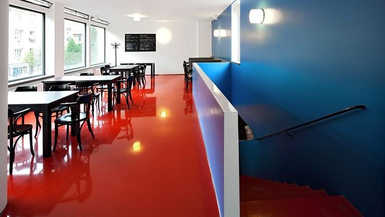 Interiér kavárny Era